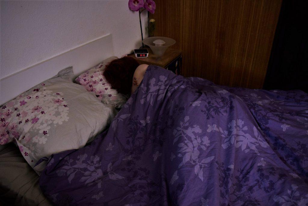 Il est 9h00, Erena se réveille doucement, nous allons essayer de la surprendre