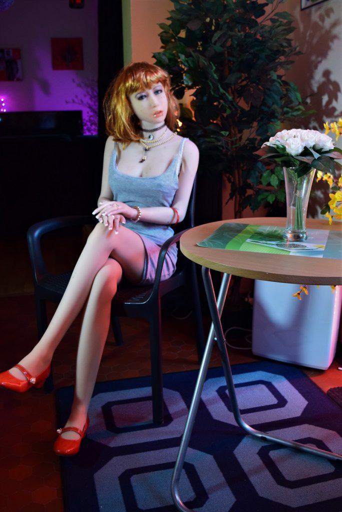 Erena en secrétaire sexy