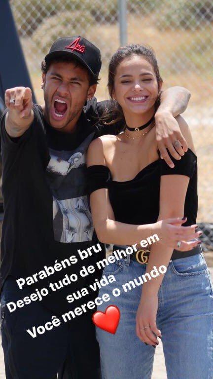 Le footballeur Neymar avec son ex l'actrice brésilienne Bruna Marquezine
