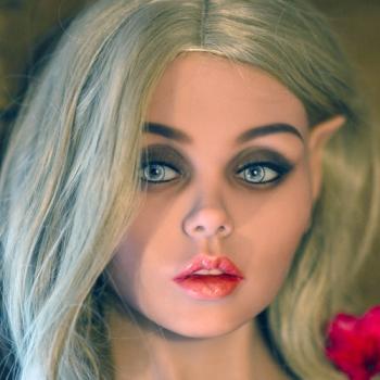 """La poupée réaliste """"love-doll"""" Ailrinni"""