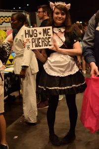 hug me please !